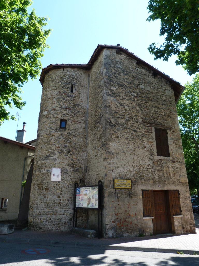 photo ancienne prison Montluel